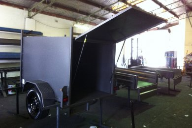 fully enclosed trailers for sale