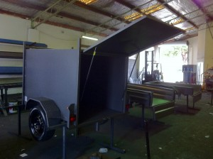 custom built fully enclosed trailers