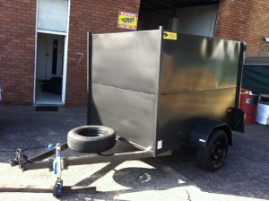 fully enclosed trailers front side